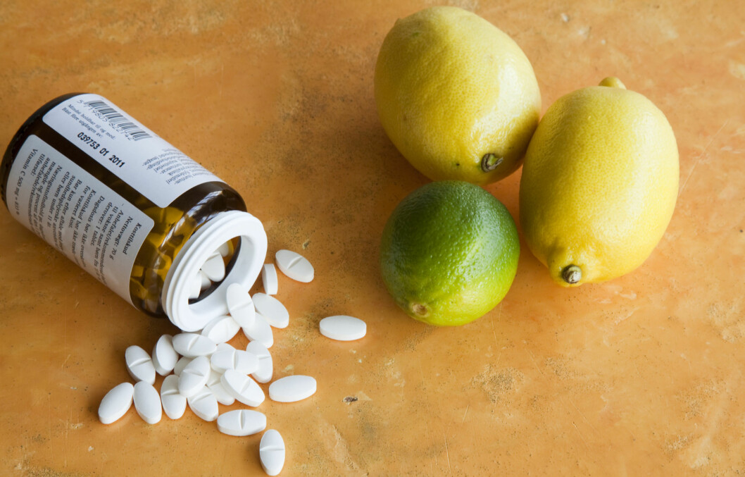 HUSK MULTIVITAMINER OG OMEGA 3: I et rikt og variert kosthold vil du som oftest få i deg det du trenger, men hvis du prøver å gå ned i vekt kan det være at du mangler noe. Foto: Colourbox.com