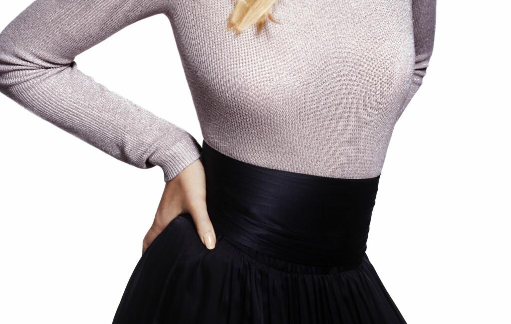 4b3d7e0a ENKELT OG FLOTT: En genser og et skjørt er alt som skal til for å