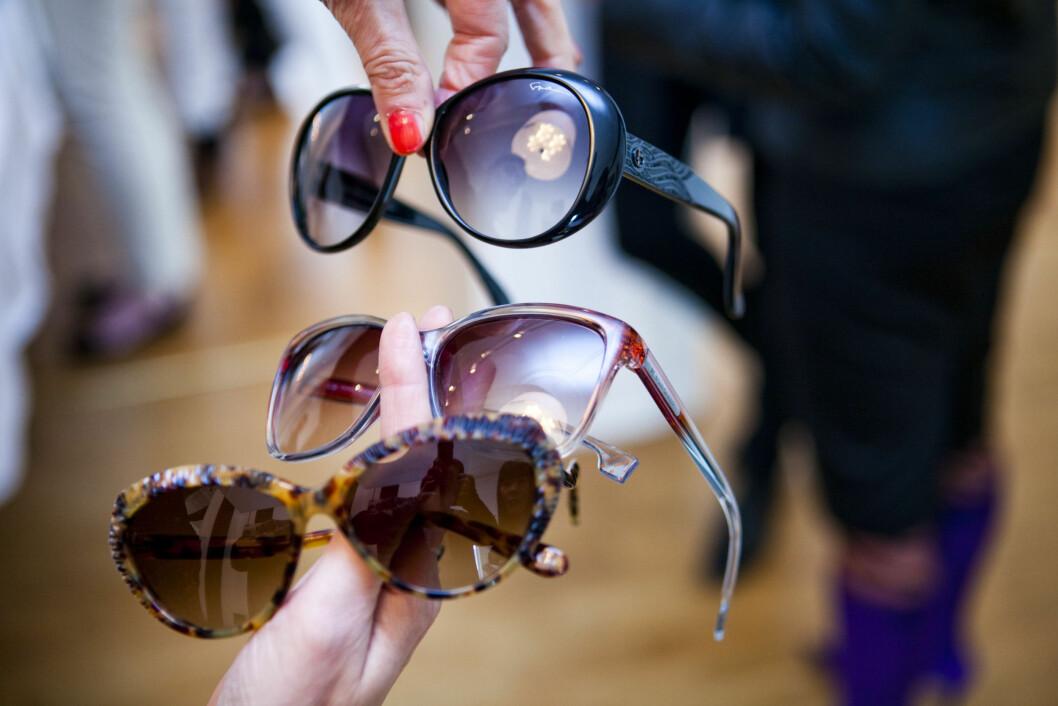 <strong>KATTEBRILLER:</strong> De to øverste modellene er såkalte «kamuflerte» kattebriller, hvor man leker med form eller farge i ytterkantene for å skape oppsving. Foto: Per Ervland