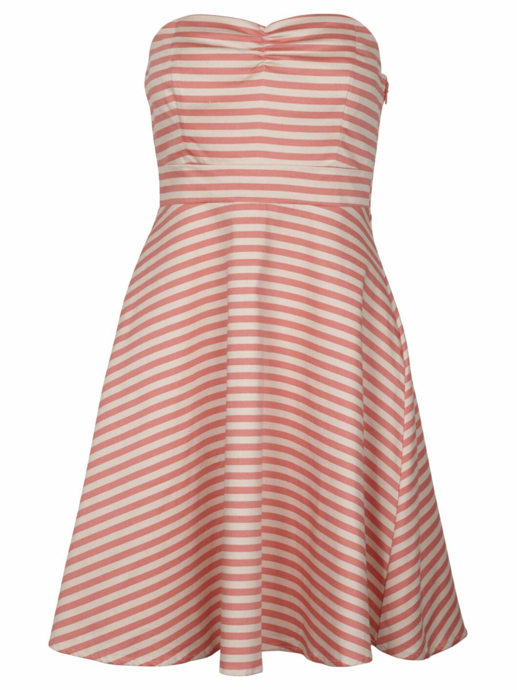 Stripete kjole (kr 400/Vila). Foto: Produsent