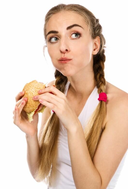 <strong>TYGG I VEI:</strong> Neste gang du spiser, så tenk over om du tyger maten skikkelig. Foto: Colourbox