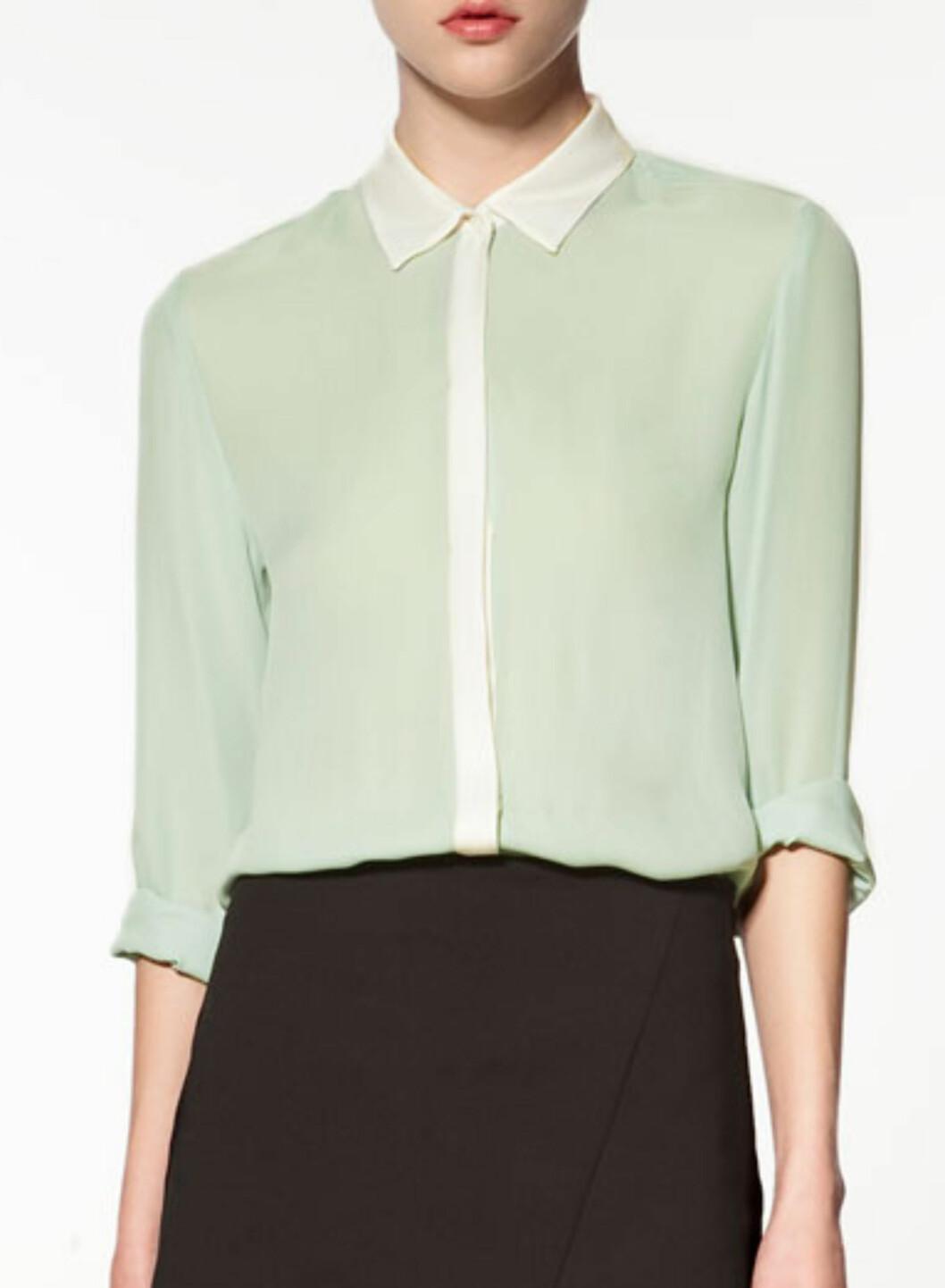 Chiffonskjorte med hvit krage (kr.799/Zara). Foto: Produsenten