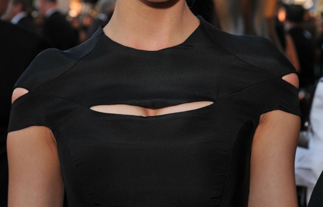 <strong>PLIRENDE PUPPEGLIPE:</strong> Kjolen til skuespiller Amber Hearst er som tatt rett ut av en Ninja-film. Foto: All Over Press