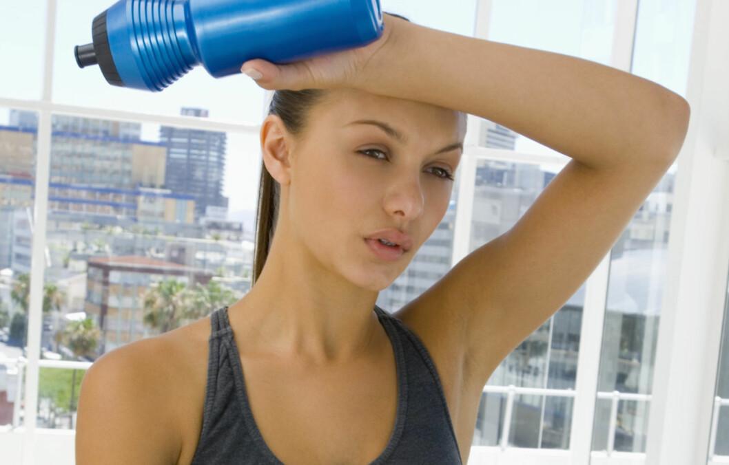 UMULIG Å FÅ FORTGANG I FORBRENNINGSPROSESSEN: Kroppen din vil forbenne like mye alkohol uavhengig om du sover, trener, svetter eller drikker mye.  Foto: Thinkstock.com