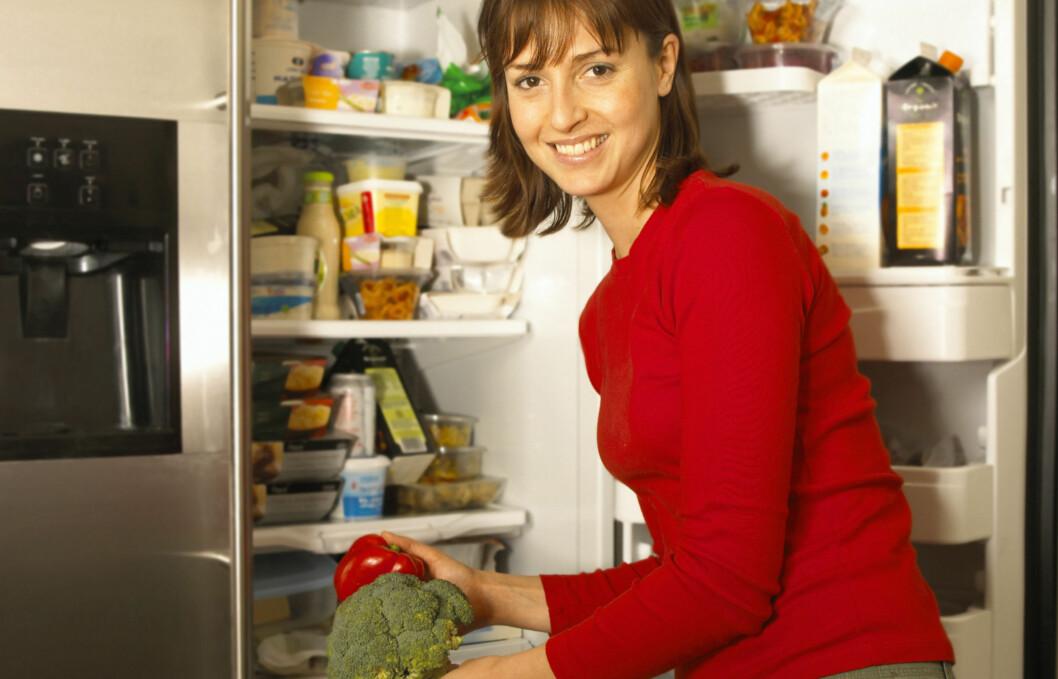 HUSKEREGEL: For at matvarene skal bli tilstrekkelig avkjølt må det være rom for luft mellom produktene. Foto: Getty Images/BananaStock RF