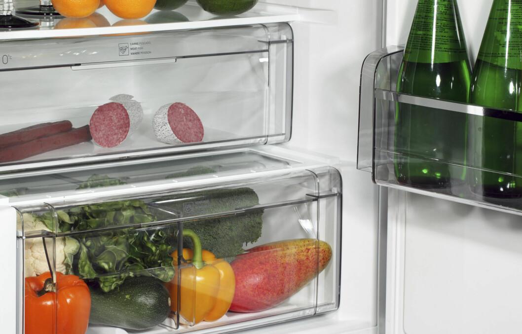 BAKTERIEBOMBE: Salat/grønnsaksskuffen nederst i kjøleskapet kan bli en skikkelig bakteriebombe, viser ny forskning. Kanskje en idé å vaske her litt oftere? Foto: Getty Images/iStockphoto