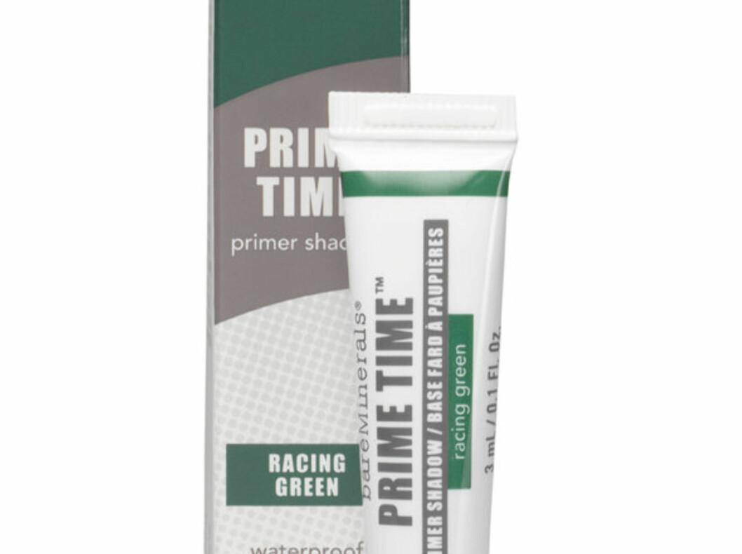 PRIMER OG SKYGGE: Denne metalliske mørkegrønne fargen passer ypperlig til deg med brune øyne. Fra Bare Minerals, kr 399.  Foto: Produsenten