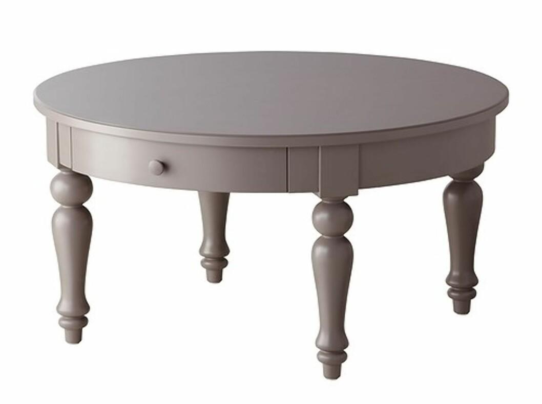 <strong>ISALA:</strong> Romantisk bord med praktiske skuffer til oppbevaring (kr.1590). Foto: Ikea.no