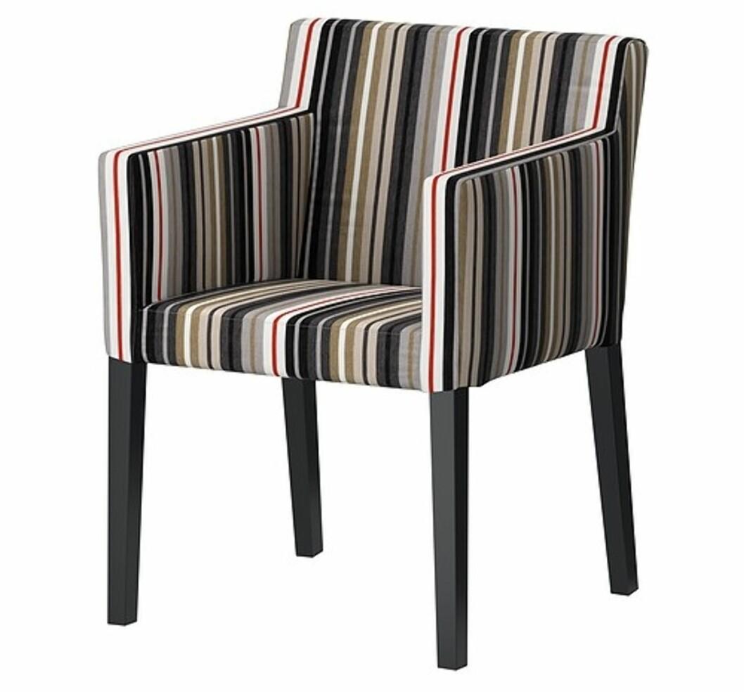 <strong>NILS:</strong> Tøff stol med armlener (kr.795). Foto: Ikea.no
