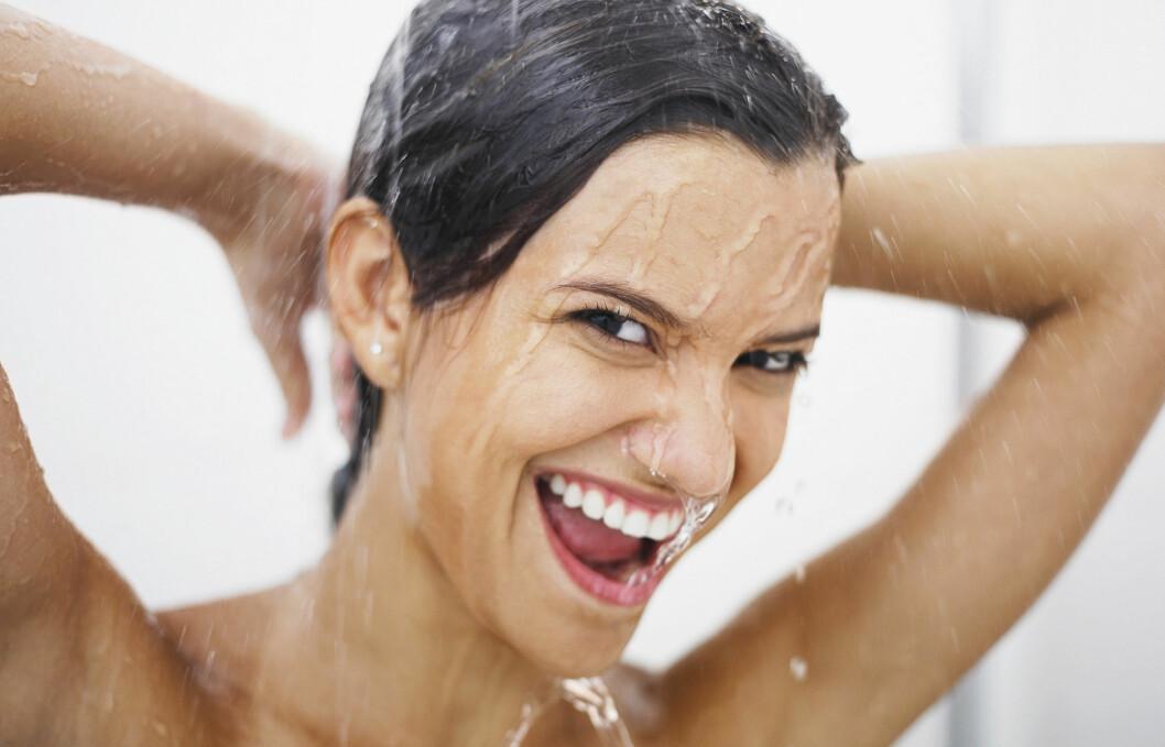 <strong>IKKE DUSJ HVER DAG:</strong> Det er ikke nødvendig å dusje hele kroppen med såpe og vann hver dag. Det kan faktisk bidra til å tørke ut huden.  Foto: Panther Media