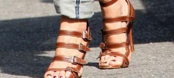 Høye hæler kan gi slitasjegikt
