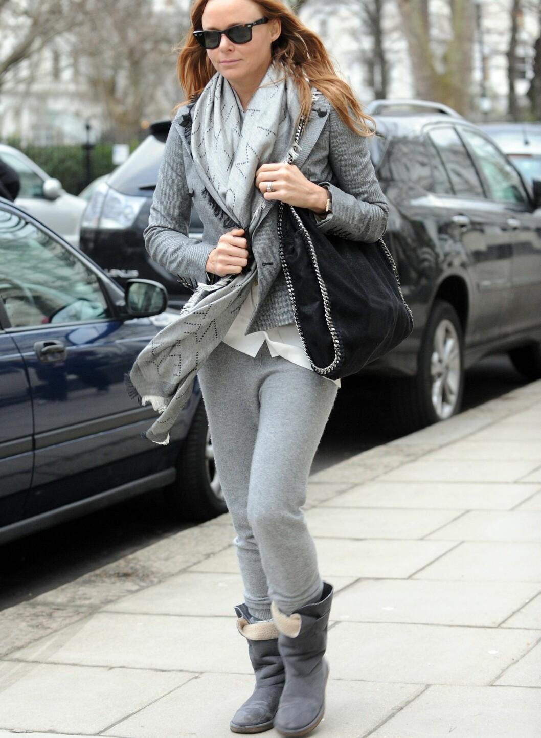 Grått fra topp til tå. Mon tro om Stella prøver å matche London-været? Foto: All Over Press