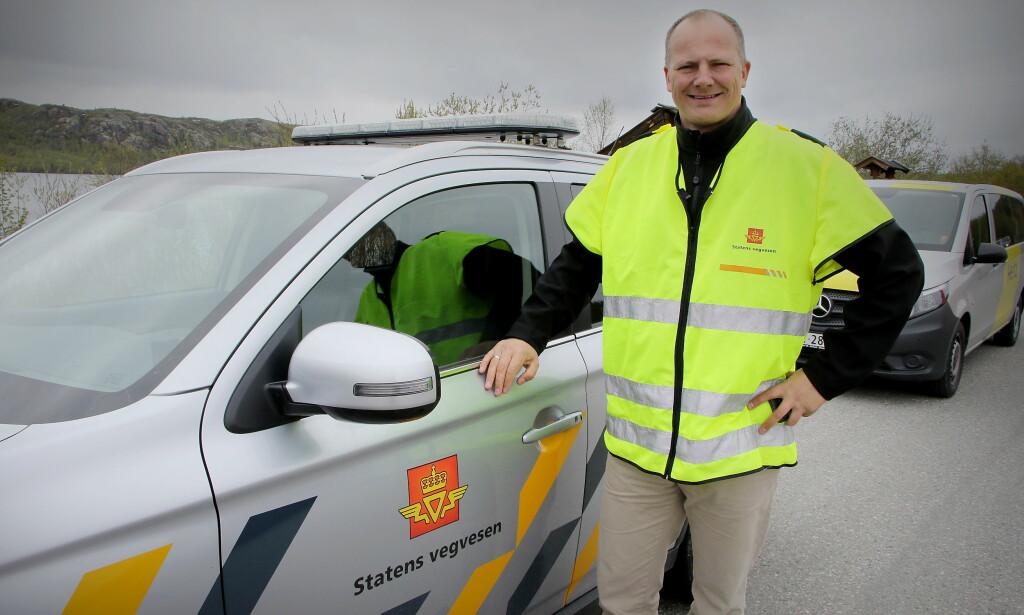 TURNE: Samferdselsminister Ketil Solvik-Olsen startet kjøreturen gjennom Norge på langs i Kirkenes lørdag. Foto: Samferdselsdepartementet