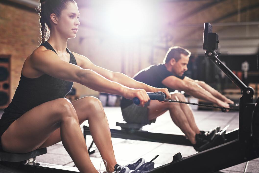 TRENE RYGG: Roing er knallbra trening for ryggen.  Foto: NTB Scanpix