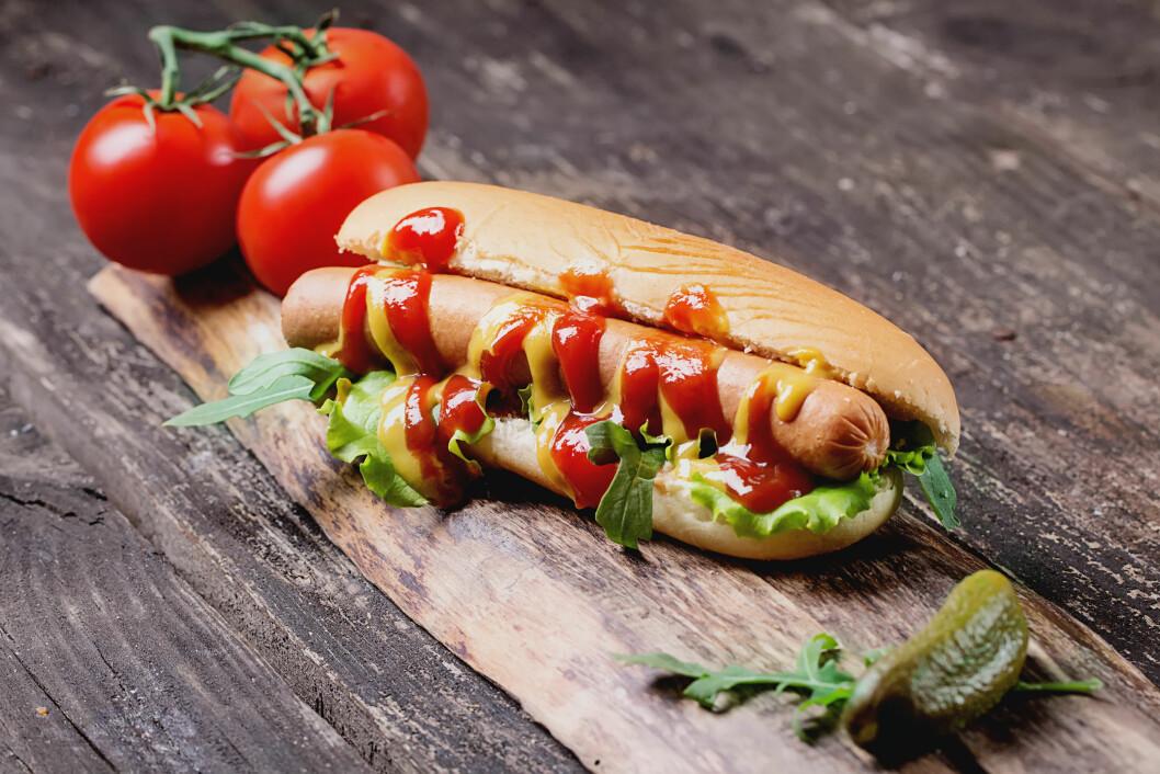 KETCHUP: Dersom du ønsker å kutte ned på sukkerinntaket ditt bør du velge en ketchup som er tilsatt kunstig søtning.  Foto: NTB Scanpix