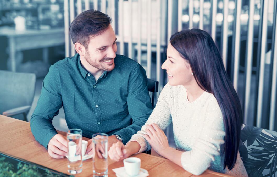 <strong>DATINGREGLER:</strong> Det er slett ikke uvanlig at vi spiller litt i datingfasen, men er du ute etter en kjæreste er det viktig at du er åpen og ærlig om hvem du er. Foto: Bobex-73 / Shutterstock / NTB scanpix