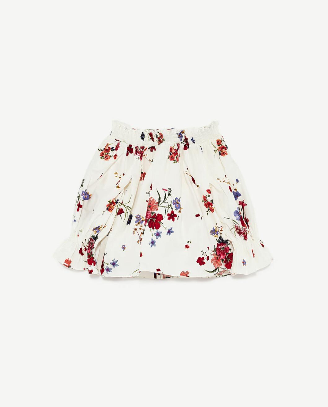 <strong>Off shoulder topp fra Zara | kr 299 | https:</strong>//www.zara.com/no/no/dame/skjorter/se-alle/bluse-med-bare-skuldre-c719021p4617022.html