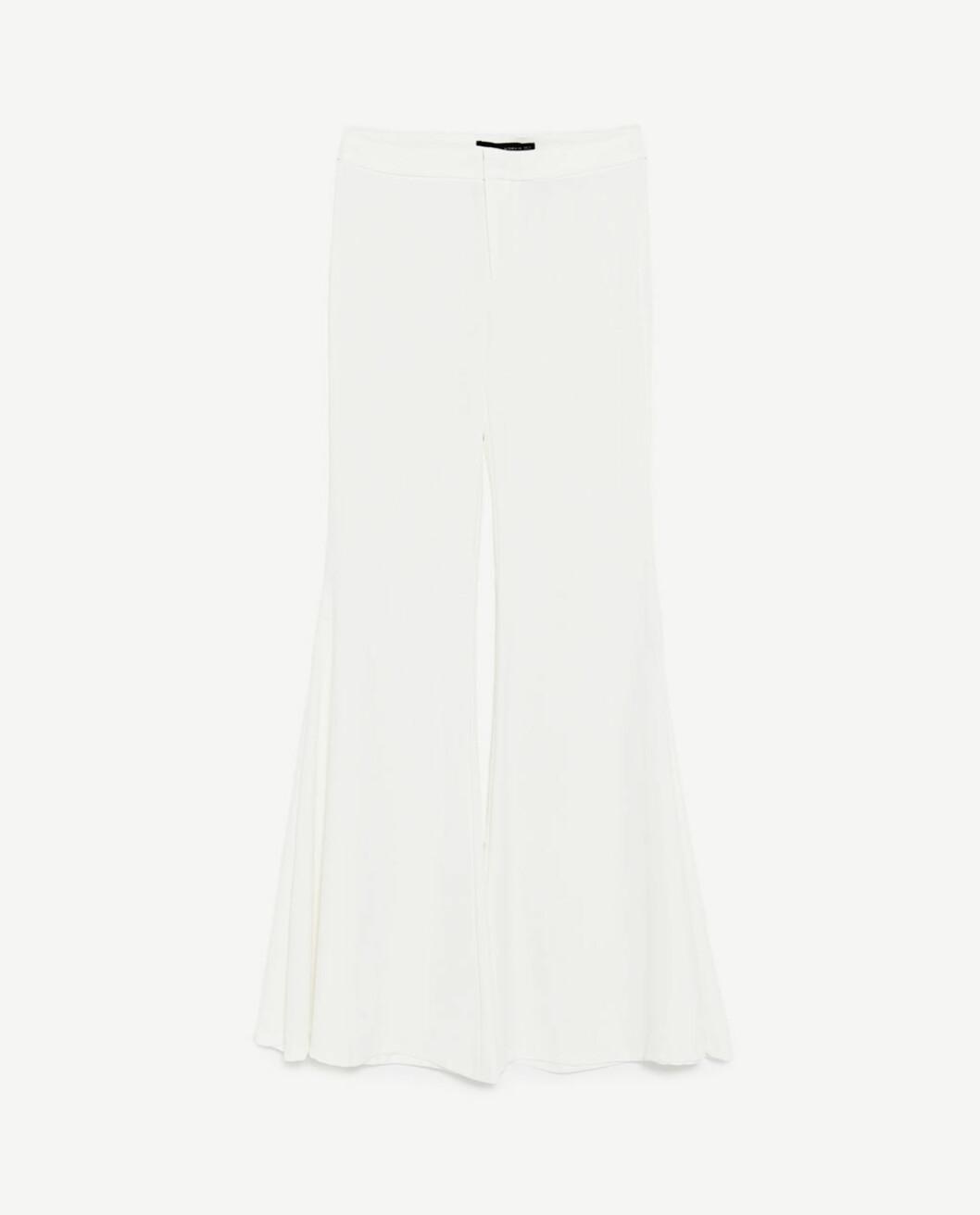 <strong>Bukse fra Zara | kr 499 | https:</strong>//www.zara.com/no/no/dame/bukser/se-alle/bukse-med-ekstra-sleng-c719022p4572526.html