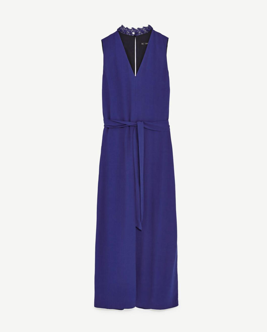 <strong>Jumpsuit fra Zara | kr 499 | https:</strong>//www.zara.com/no/no/dame/jumpsuits/cropped-jumpsuit-med-blonder-i-halsen-c399001p4560025.html