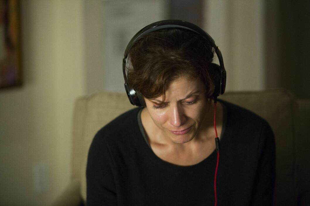 SORGPROSESS: Olivia Baker (spilt av Kate Walsh) er svært preget av sin datters plutselige død - og gjør alt hun kan for å finne ut av hva som har ført til at datteren har begått selvmord.  Foto:  Foto: Beth Dubber // Netflix