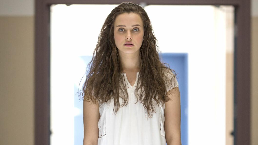 13 REASONS WHY: Katherine Langford har hovedrollen i Netflix-serien 13 Reasons Why. Hun spiller tenåringsjenta Hannah Baker som opplever mobbing og trakassering på skolen. Foto: Beth Dubber // Netflix