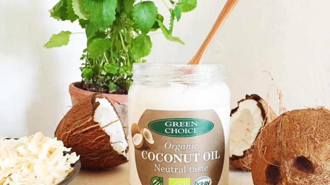 <strong>SUNN OG DUFTFRI:</strong> Den økologiske kokosoljen til Green Choice er produsert på en måte som nyttegjør seg alle de gode næringsstoffene i kokosnøttene. Foto: Green Choice
