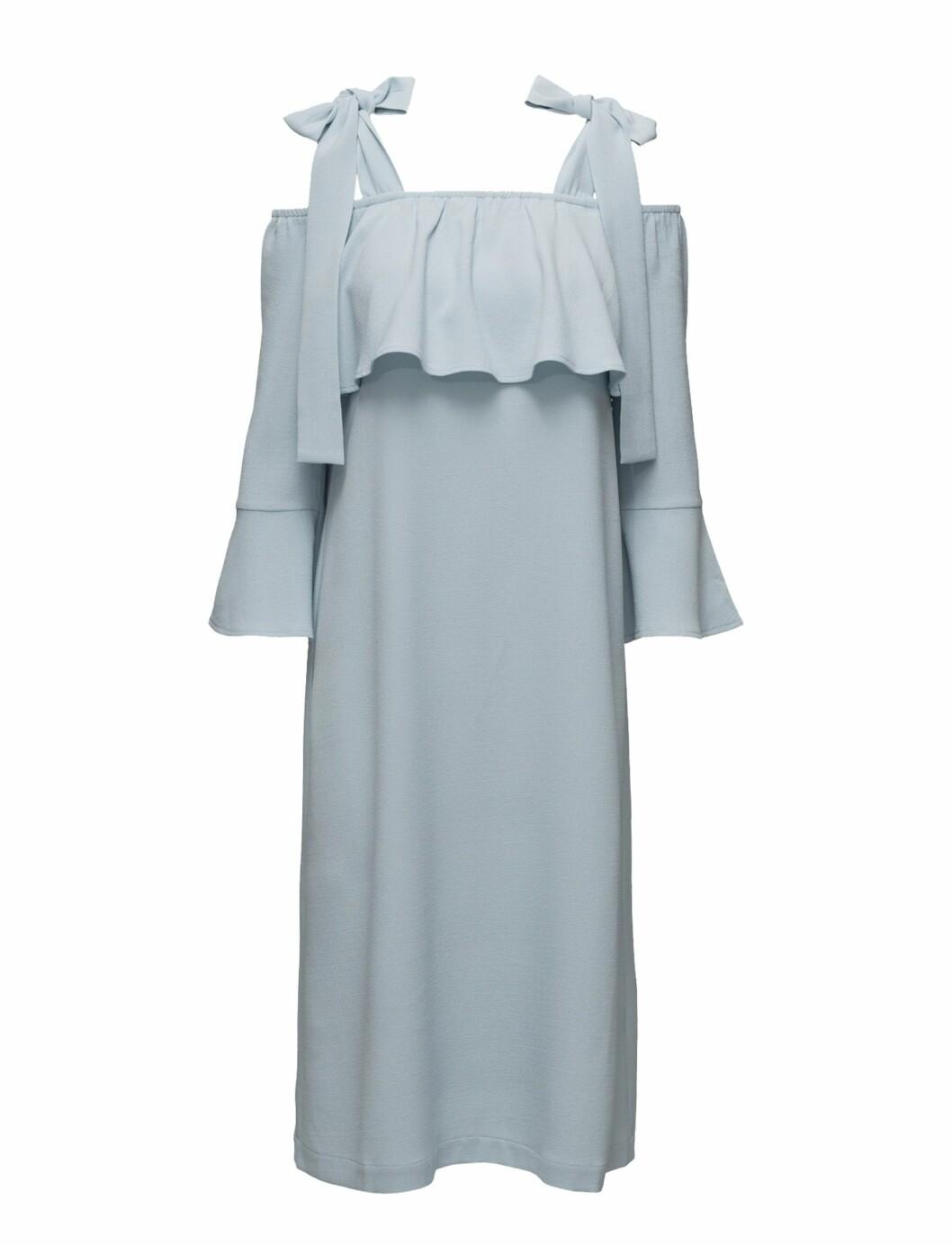 <strong>Lys blå kjole fra Ganni |kr 1899 | http:</strong>//apprl.com/sv/pd/4Ky0/