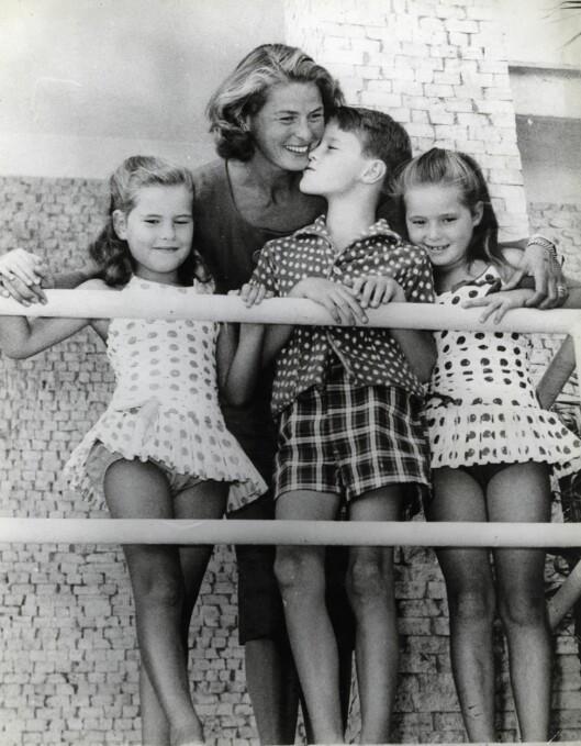 <strong>BERØMT MOR:</strong> Ingrid Bergman og tre av hennes fire barn, tvillingene Isotta og Isabella og sønnen Roberto. Barnas far var den kjente italienske regissøren Roberto Rosselini. Foto: NTB scanpix