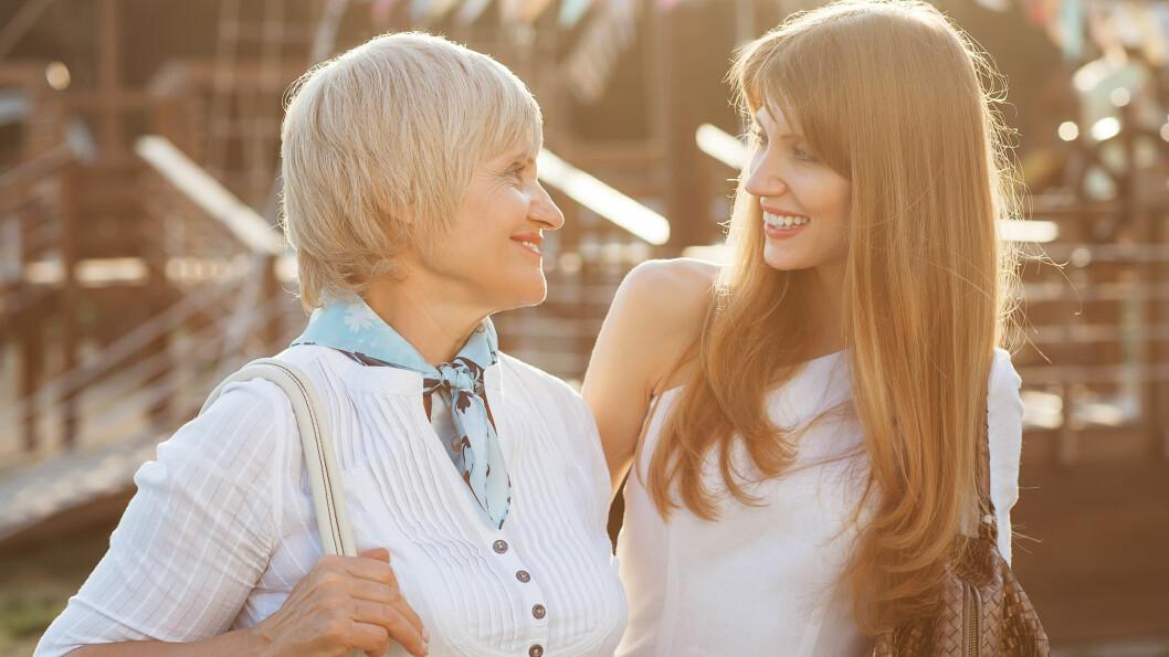 FAMILIE: Har du noe uoppgjort med familien din? Et oppgjør med foreldrene dine kan styrke forholdet deres, råder eksperter. Foto: Shutterstock / Rock and Wasp