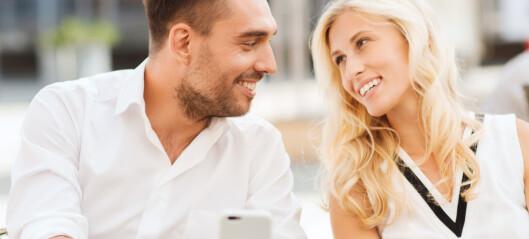 Flørter kjæresten mye med andre damer?