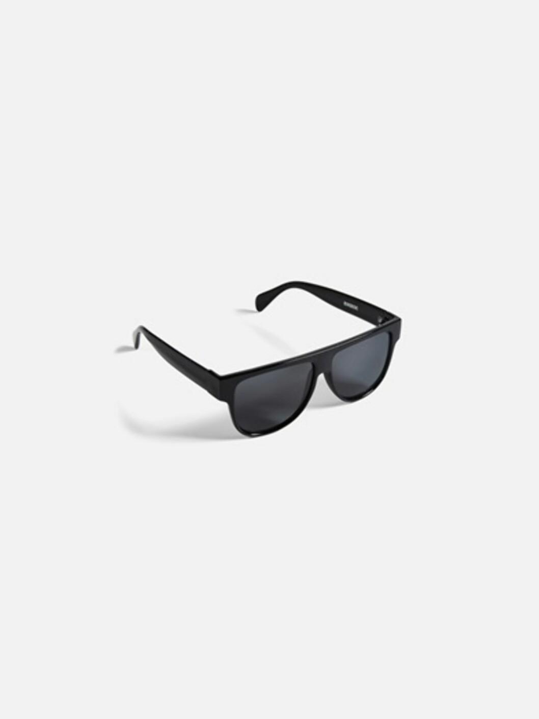 <strong>Sorte solbriller fra Bik Bok | kr 99 | https:</strong>//bikbok.com/no/7194409_F990