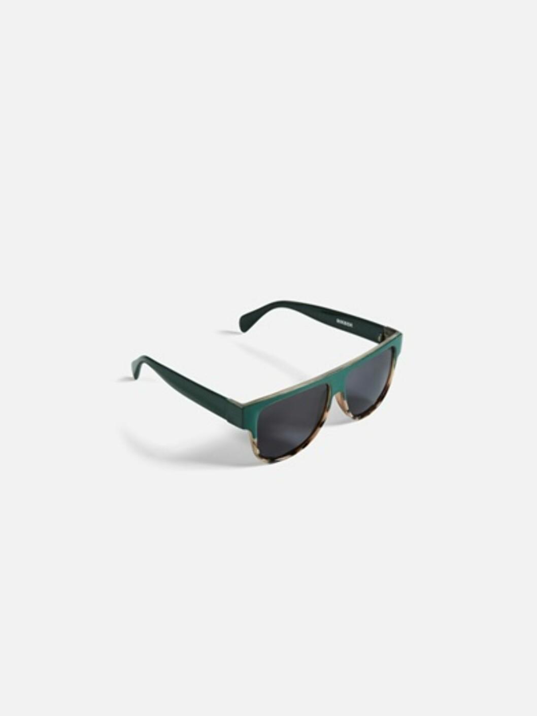 <strong>Solbriller fra Bik Bok | kr 99 | https:</strong>//bikbok.com/no/7194409_F780