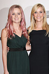 KLIN LIKE: Reese Witherspoon (41) og Ava Phillippe (17). Foto: NTB Scanpix