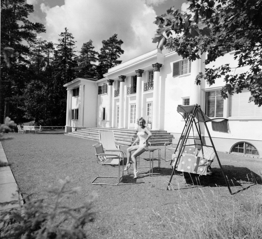 <strong>HERSKAPSVILLA:</strong> Sonja Henie og mannen Niels Onstad bodde på vakre Granholtet på Landøya.  Foto: NTB scanpix