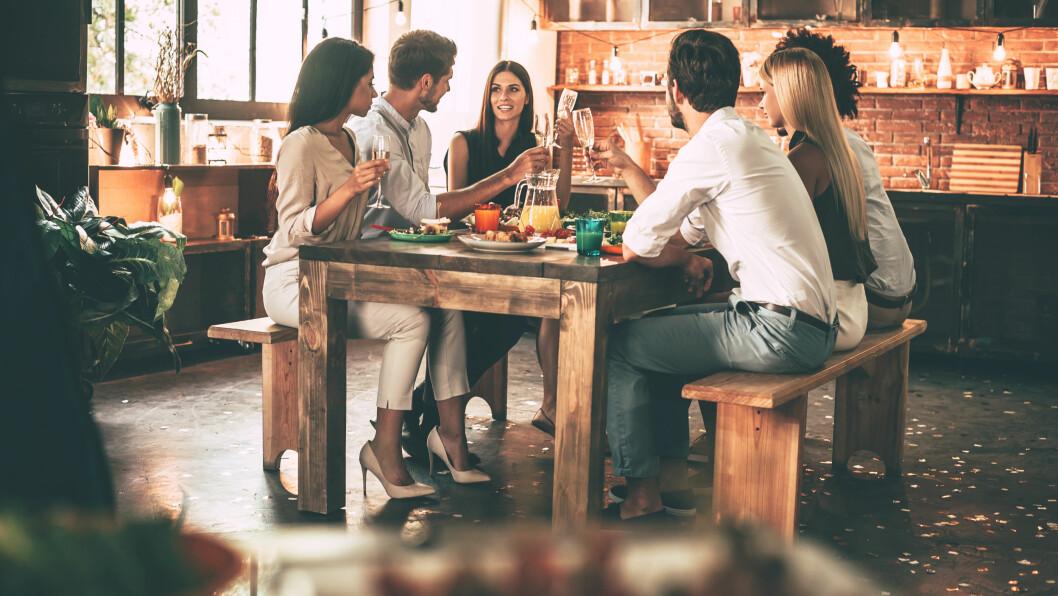 INTOLERANSER: En ny undersøkelse viser at mange syns at intoleranser og allergier påvirker middagskosen. Foto: Shutterstock / g-stockstudio