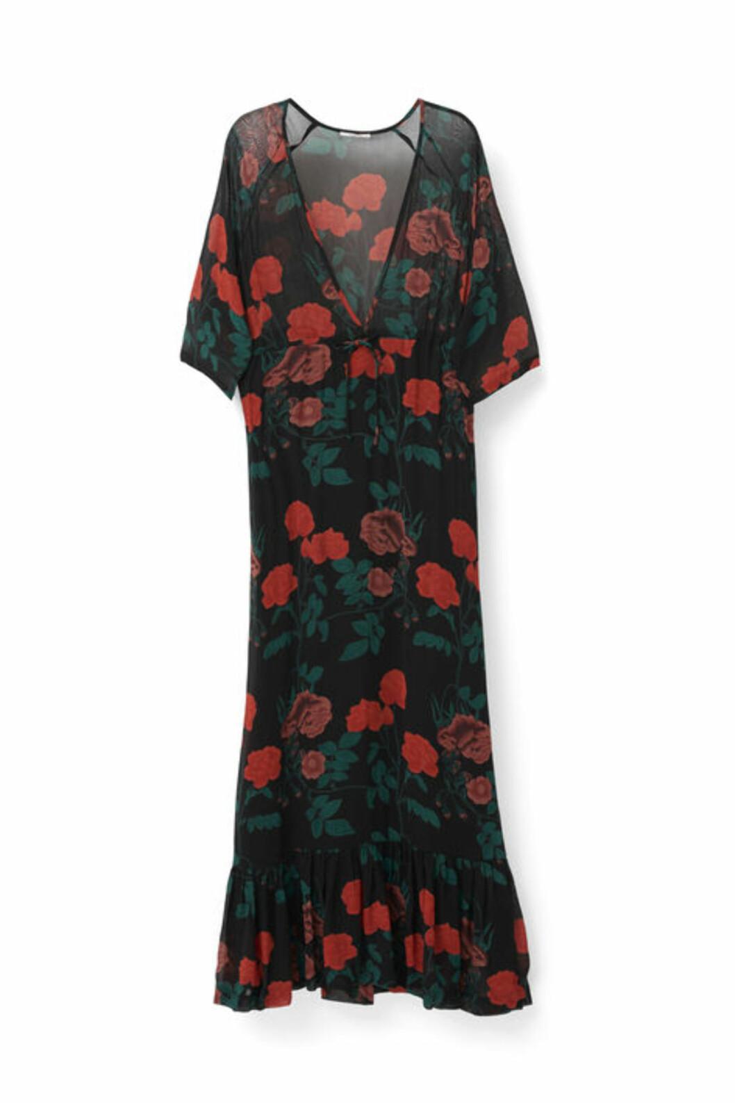 <strong>Kjole fra Ganni | kr 2099 | http:</strong>//www.ganni.com/shop/dresses/newman-georgette-maxi-dress/F1660.html?dwvar_F1660_color=Black#page=0-8&start=8