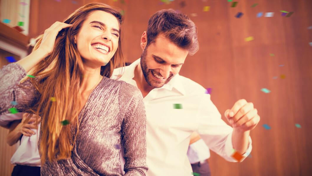 HVORDAN DANSE: En britisk forskergruppe har funnet ut hvilke bevegelser du bør gjøre på dansegulvet.  Foto: Shutterstock / vectorfusionart