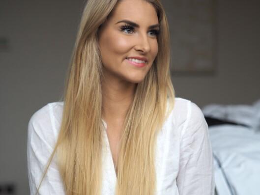 LYSPUNKTER: Ved siden av å jobbe som modell, drive egen nettside og blogg, har Elise startet opp sin egen hjemmesalong hvor hun jobber som selvstendig næringsdrivende. Foto: Privat