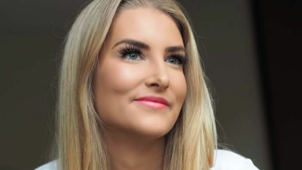 SORG: Elise har hatt et tøffere liv enn de fleste 21-åringer. Hun mistet både faren og broren på fire år.  Foto: Privat