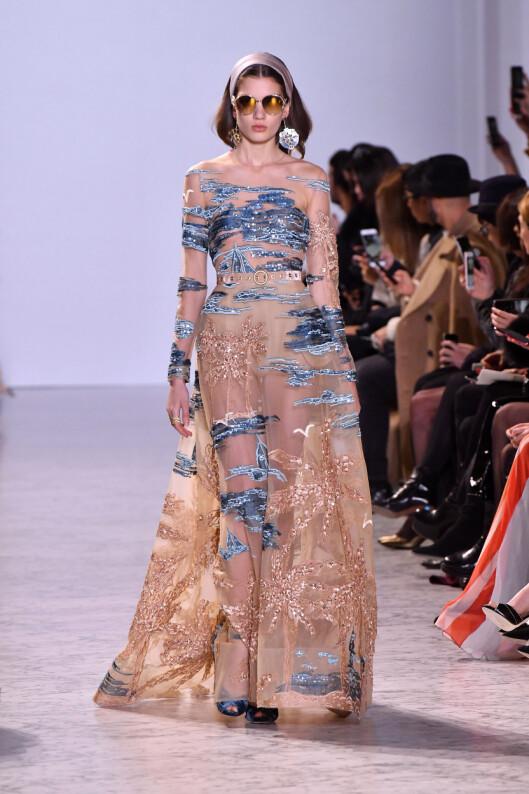 MYE ARBEID: Mange timer er blitt lagt ned for å lage nettopp denne kjolen fra Elie Saab. Foto: Abaca