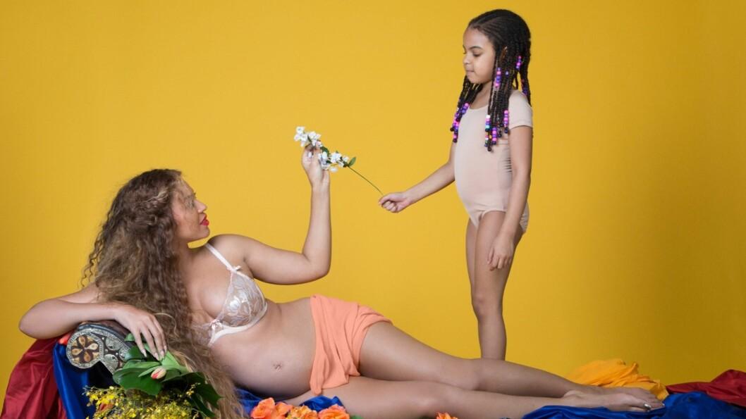 BEYONCE GRAVID: Superstjernen Beyoncé er gravid med tvillinger. I løpet av året blir datteren Blue Ivy (5) storesøster. Foto: Beyonce.com