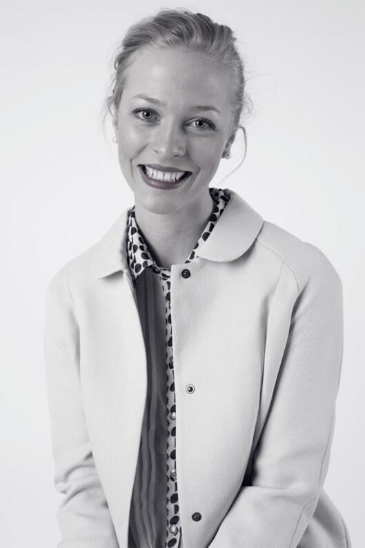 SKRIVER CV FOR DEG: Tonje Brattås tilbyr profesjonell skrivehjelp for jobbsøkere.