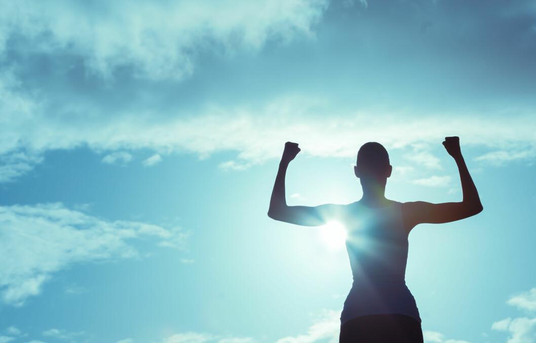 GOD SELVFØLELSE: Ofte kan vi si slemme og frekke ting til oss selv. Øv deg på å være like støttende mot deg selv som du ville ha vært mot andre, råder hun. Foto: Shutterstock / KieferPix
