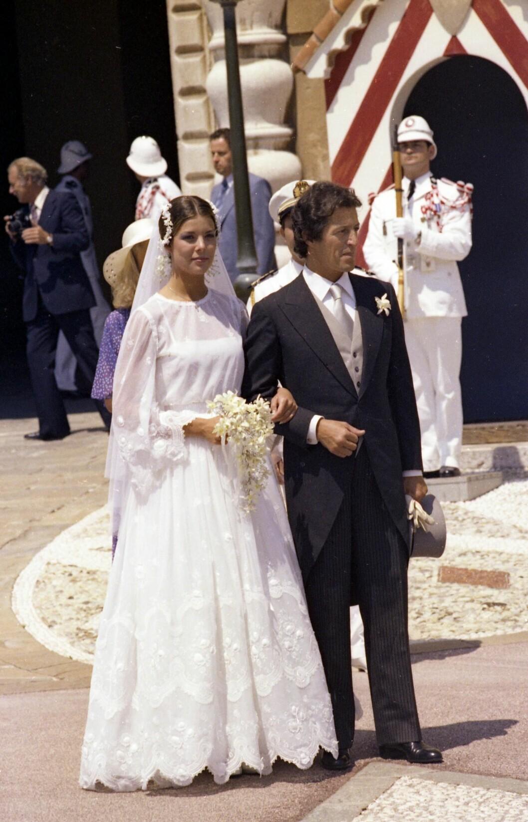 <strong>VAKKER BRUD:</strong> Prinsesse Caroline og Philippe Junot fotografert på bryllupsdagen 29. juni 1978.J De giftet seg i en storslått seremoni i Monaco. Foto: NTB Scanpix
