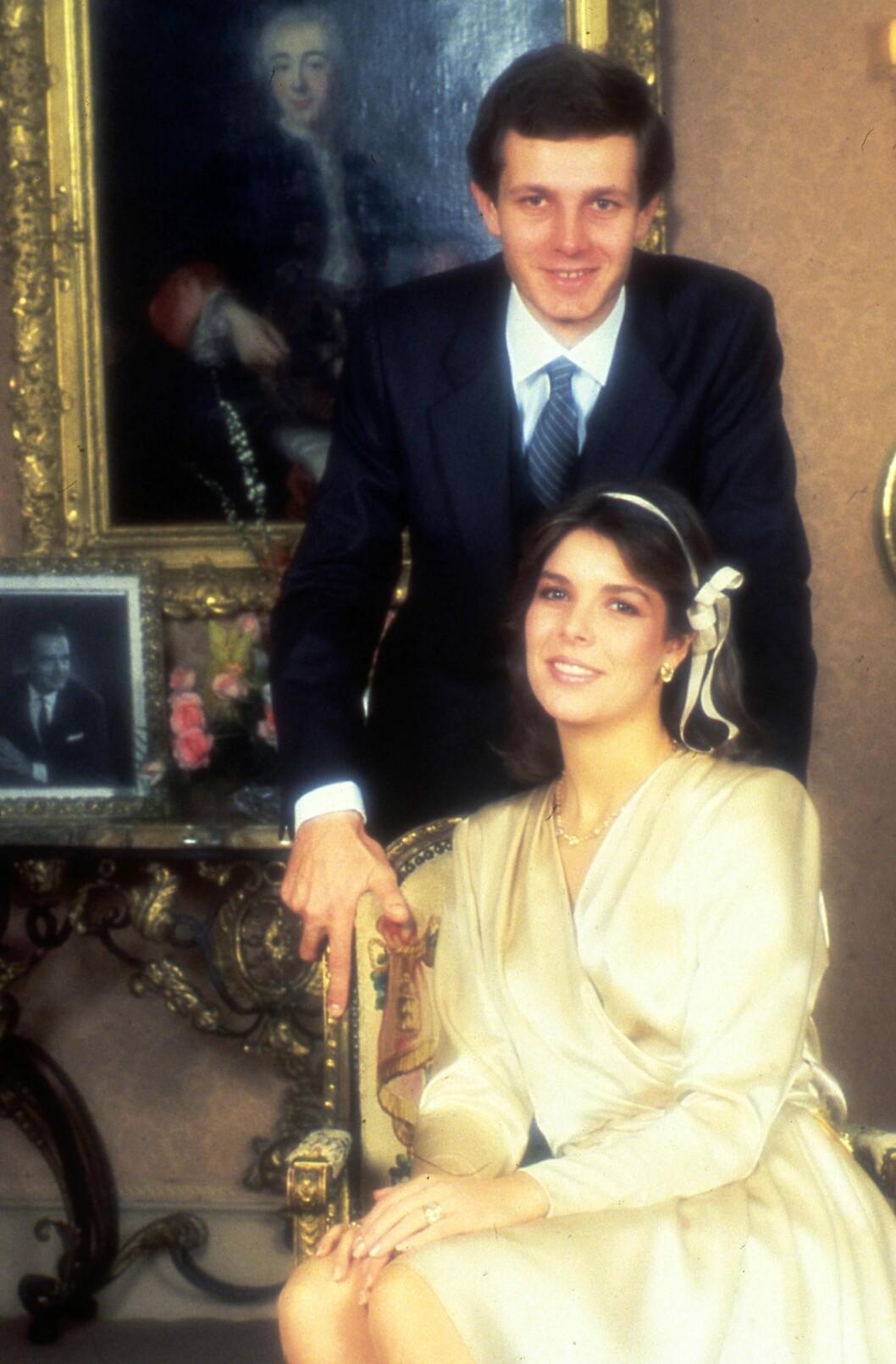 <strong>EKTEMANN NUMMER TO:</strong> I 1983 giftet prinsesse Caroline seg med den italienske forretningsmannen Stefano Casiraghi. Dette bildet er tatt i forbindelse med den borgerlige seremonien som ble avholdt 29. desember 1983. Foto: NTB Scanpix