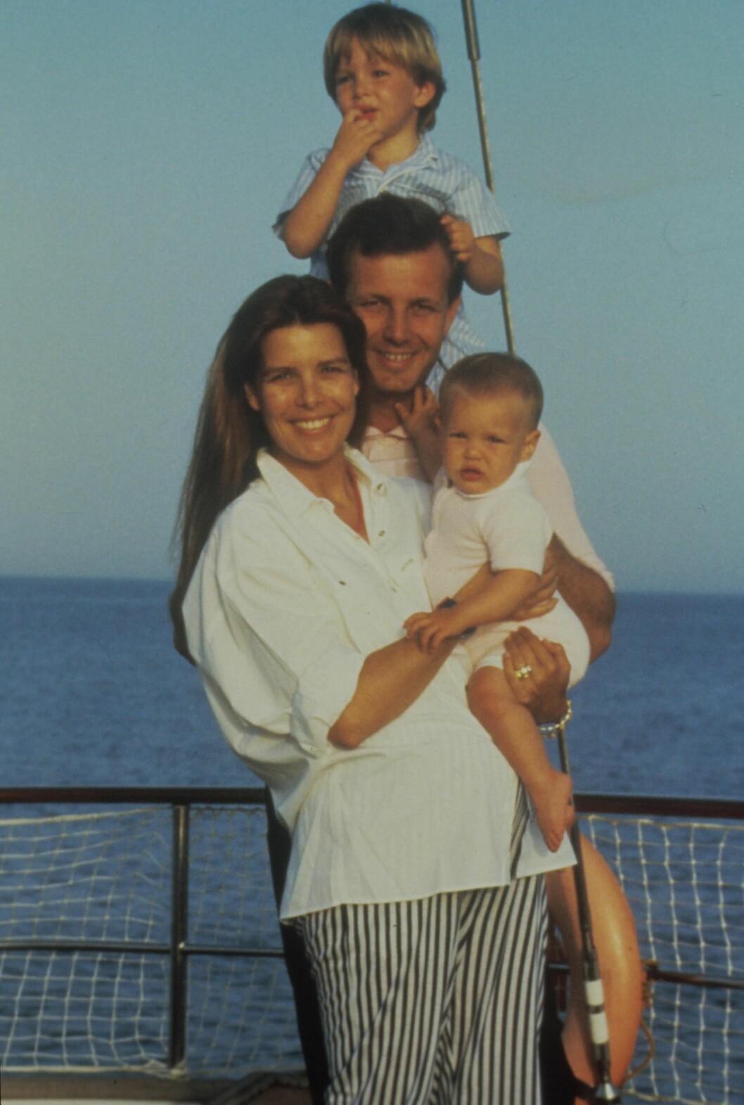 <strong>CAROLINES STORE KJÆRLIHET:</strong> Sammen med Stefano Casiraghi fikk prinsesse Caroline barna Andrea, Pierre og Charlotte. Han omkom i en båtulykke i 1990 - bare 30 år gammel. Prinsesse Caroline skal aldri ha kommet over tapet av ektemannen. Foto: NTB Scanpix