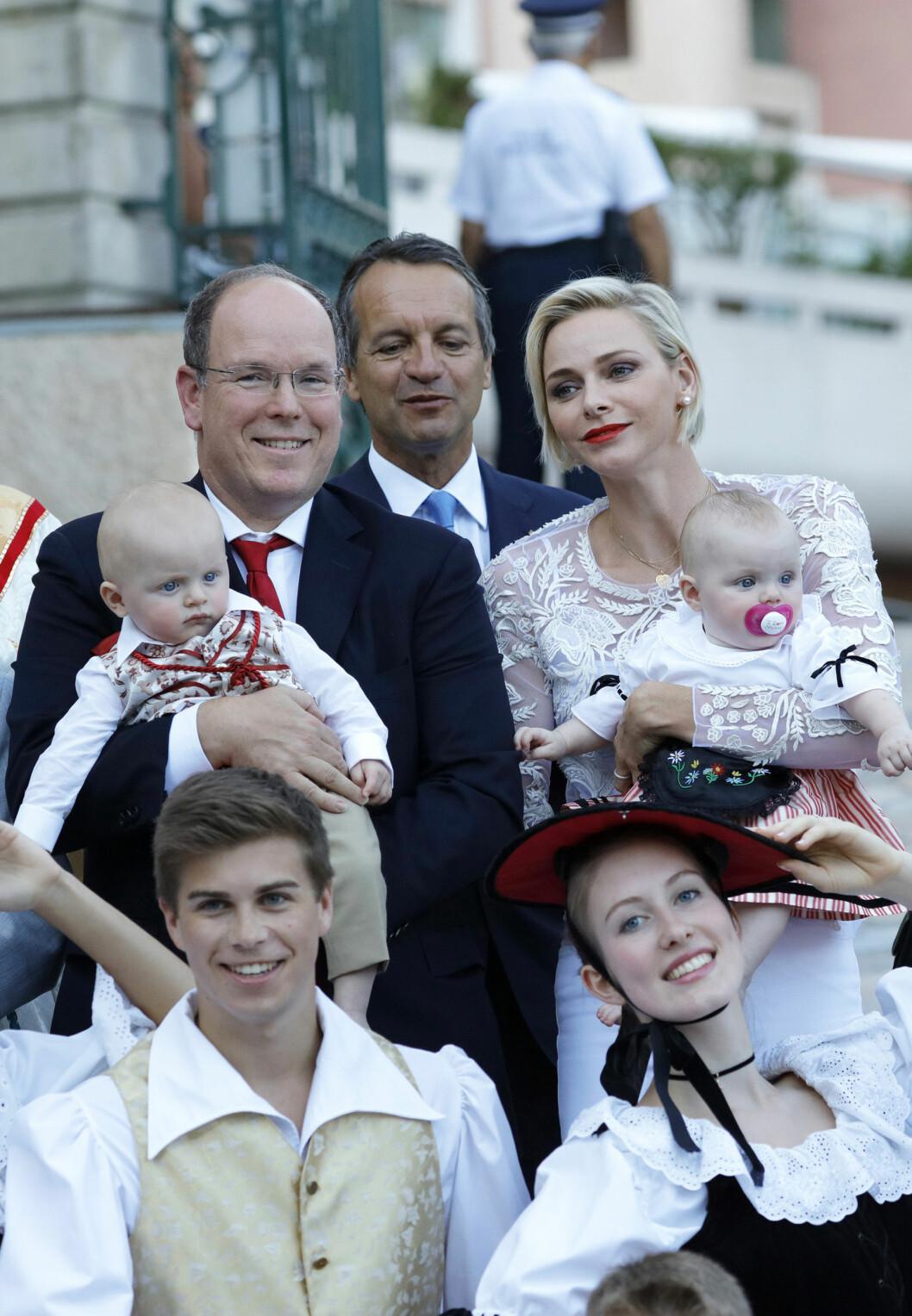 <strong>FYRSTEBARNA:</strong> Fyrst Albert og prinsesse Charlene er foreldre til tvillingene prins Jacques og prinsesse Gabriella. De ble født i 2014. Foto: NTB Scanpix