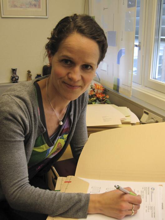 SPESIALIST: Yndis Staalesen Strumse er lege og medisinsk rådgiver ved Seksjon for behandlingsreiser på OUS Rikshospitalet.   Foto: Privat