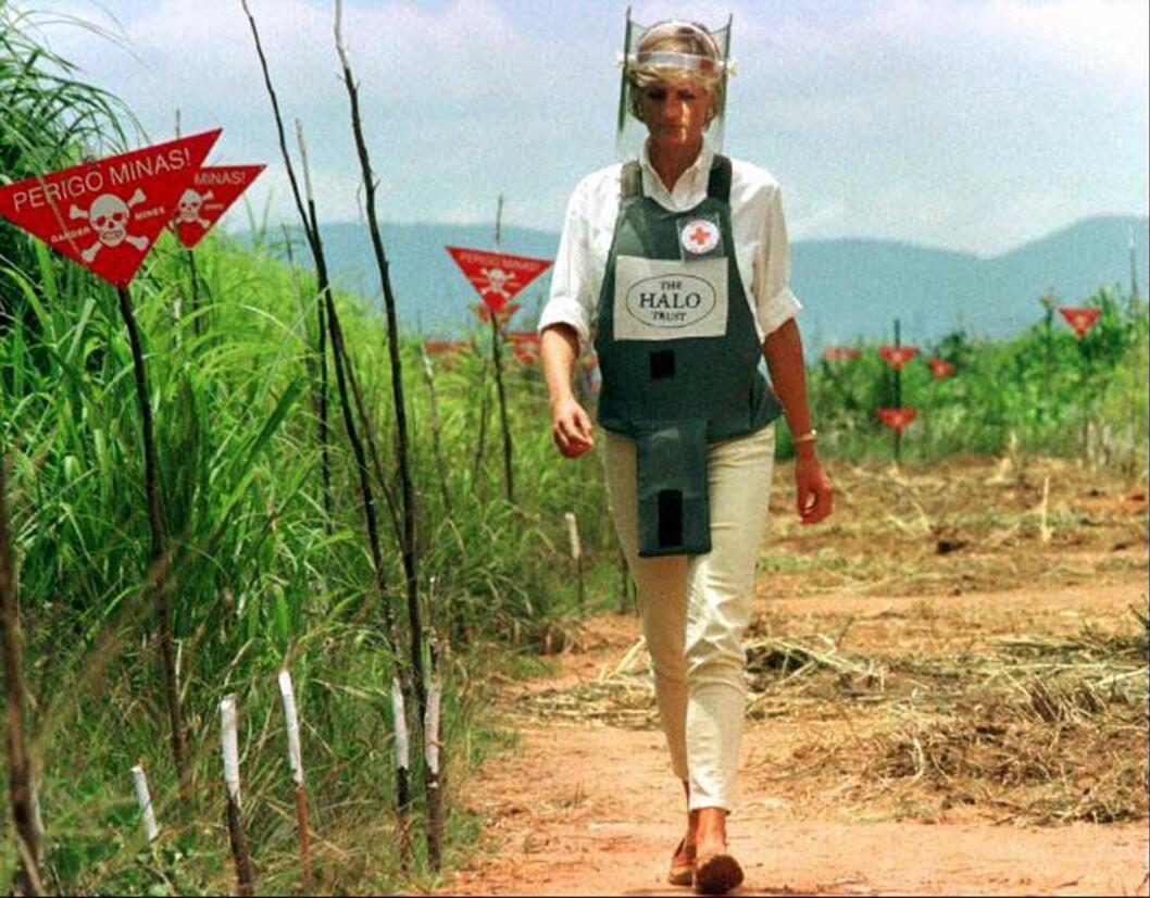 <strong>HUMANITÆRT ARBEID:</strong> I januar 1997 dro Diana til Angola på arbeid for britiske Røde Kors. Foto: NTB Scanpix
