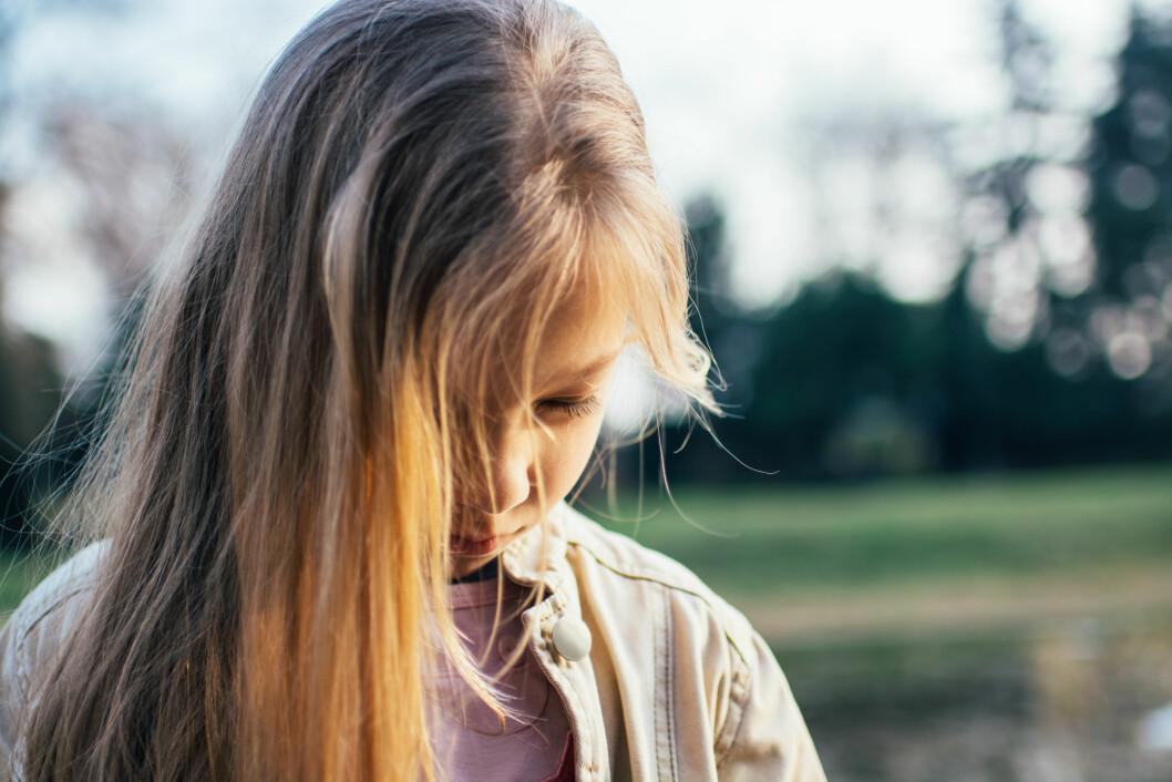 <strong>SELEKTIV MUTISME:</strong> Det regnes at cirka én prosent er rammet av selektiv mutisme, og det er litt flere jenter enn gutter. Foto: Shutterstock / MilanMarkovic78